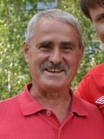Вячеслав Ларин, учитель химии, и по совместительству тренер ряжского