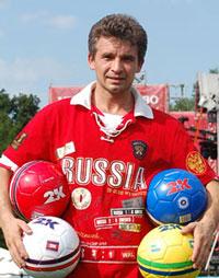 Новый рекорд в футбольно-цирковом жонглировании установит житель Хабаровска